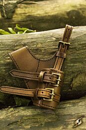 Adventurer Swordholder - Bruin, Linkerhand